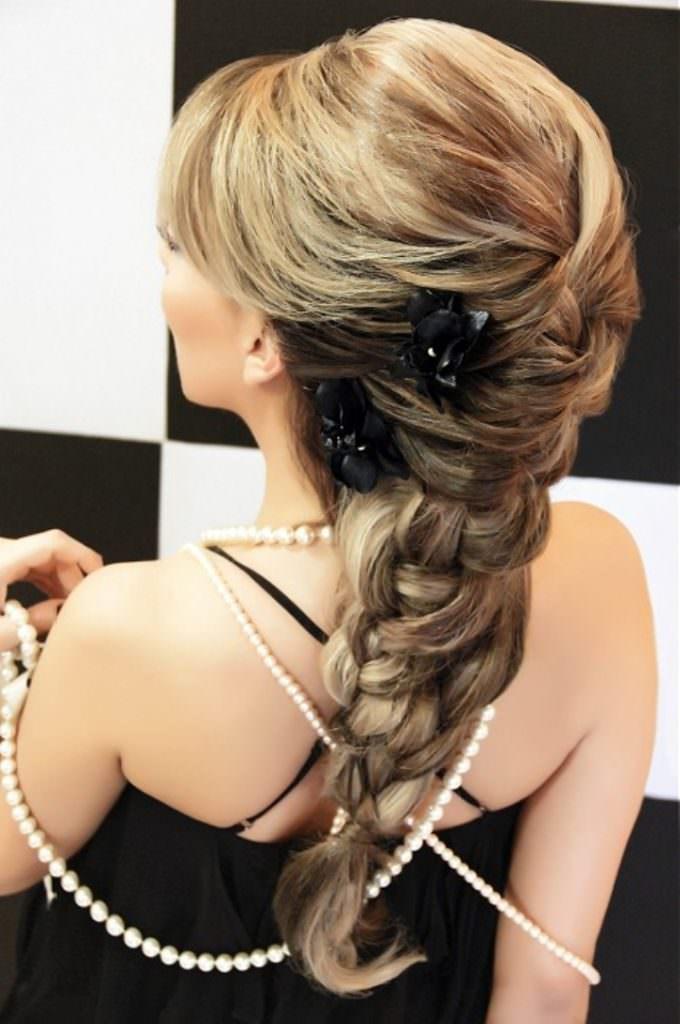 Греческая объемная коса