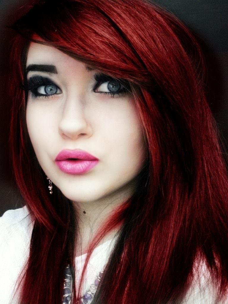 Яркий цвет волос