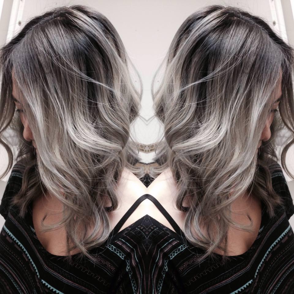 Серый цвет волос