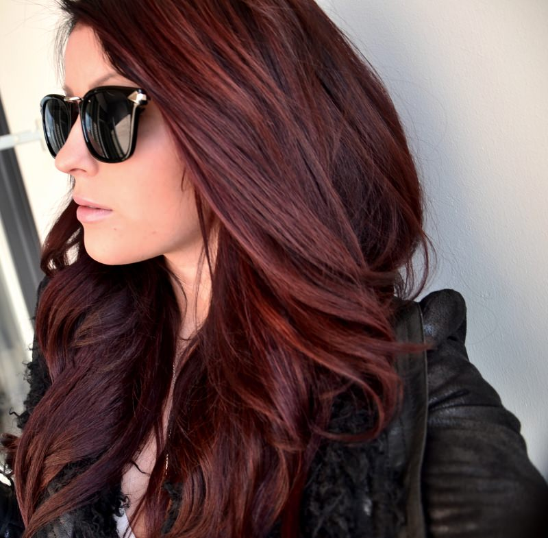 Темно вишнёвый цвет волос