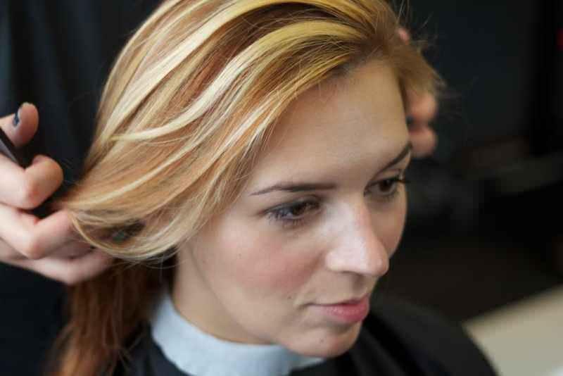 Темное колорирование на светлые волосы