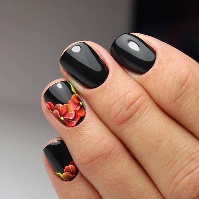 Красно черный маникюр на коротких ногтях