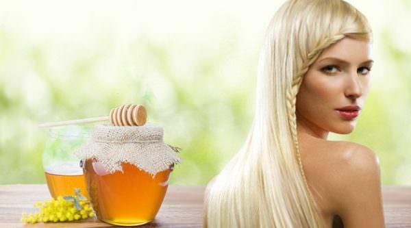 Банка меда и блондинка