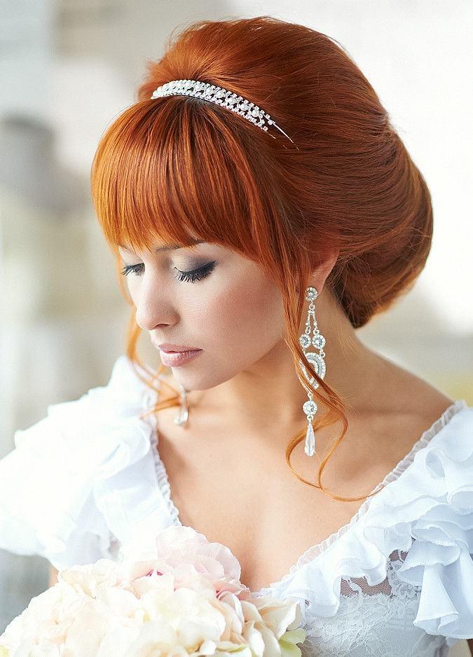 оригинальные свадебные прически с челкой