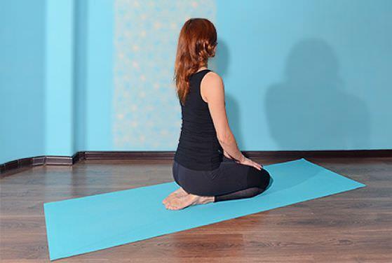 упражнение на растяжку стопы и пальцы ног