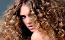 Волнистые волосы — несколько способов завивки волос