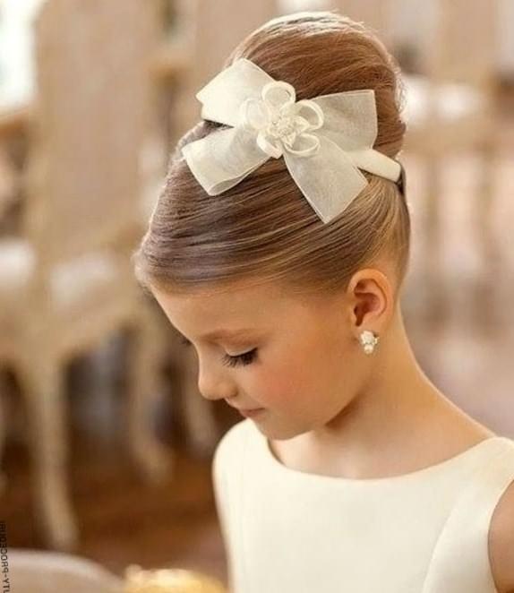 Прическа для девочки на длинные волосы