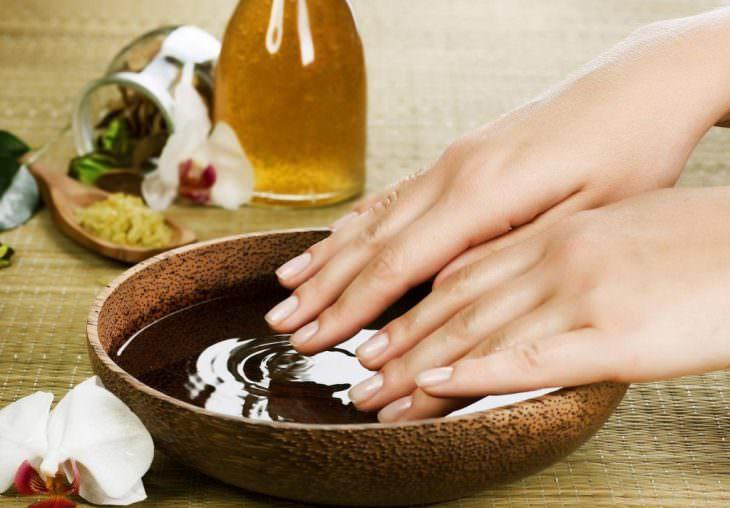 Ванночка с глицерином или растительным маслом