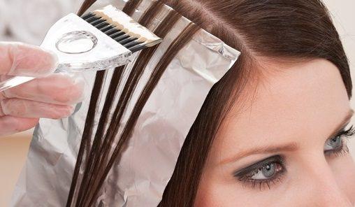 Процесс мелирования на черные волосы