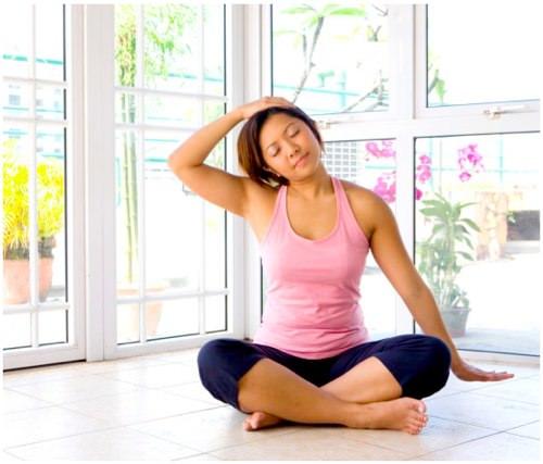 упражнения для растяжения позвоночника на спине