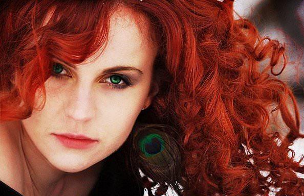 Сочетание цвета волос с зелеными глазами